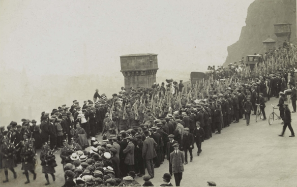 Camerons leaving for the Front, 1914