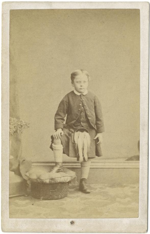 Young Haig dressed in kilt