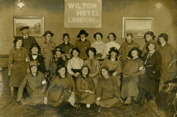 Scottish Women's Hospitals nurses at Wilton Hotel, London. Image kindly reproduced with permission from Glasgow City Archives
